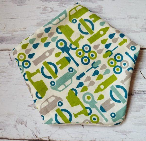 Pomysł na świąteczny prezent: ocieplana chustka dla dziecka