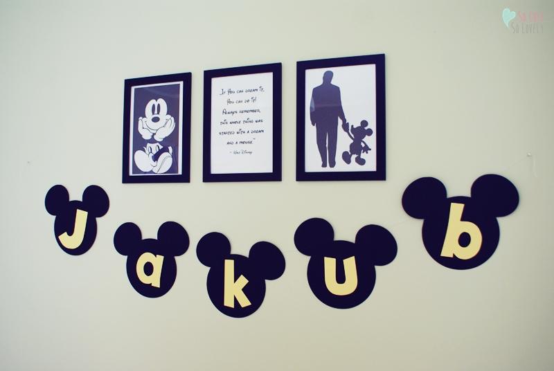 Myszka Mickey w pokoiku dziecka