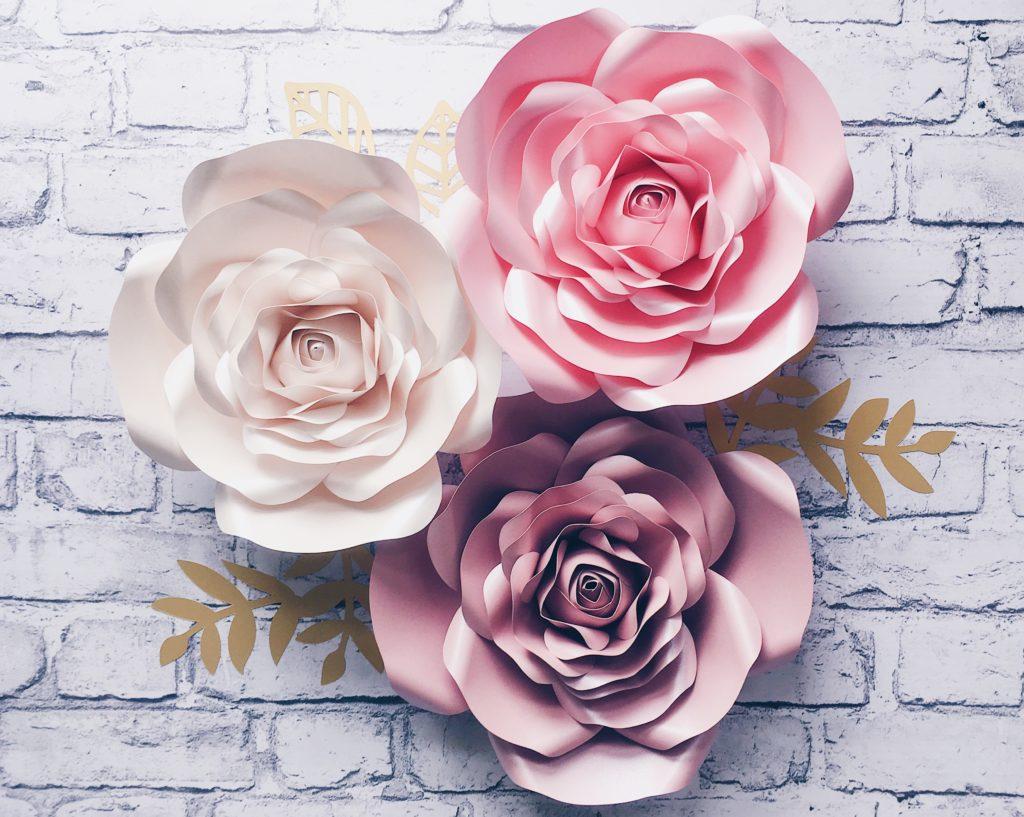 papierowe kwiaty - róże na ścianę