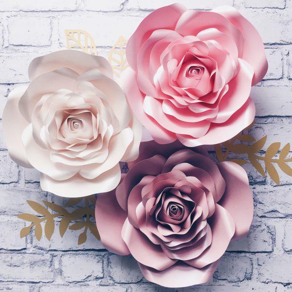 kwiaty na ścianę ścianka z kwiatów