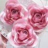 duże papierowe kwiaty