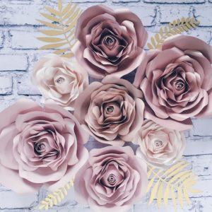 Papierowe kwiaty na ścianę rose gold i nude