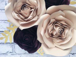 Kwiaty na ściankę - beż i burgund