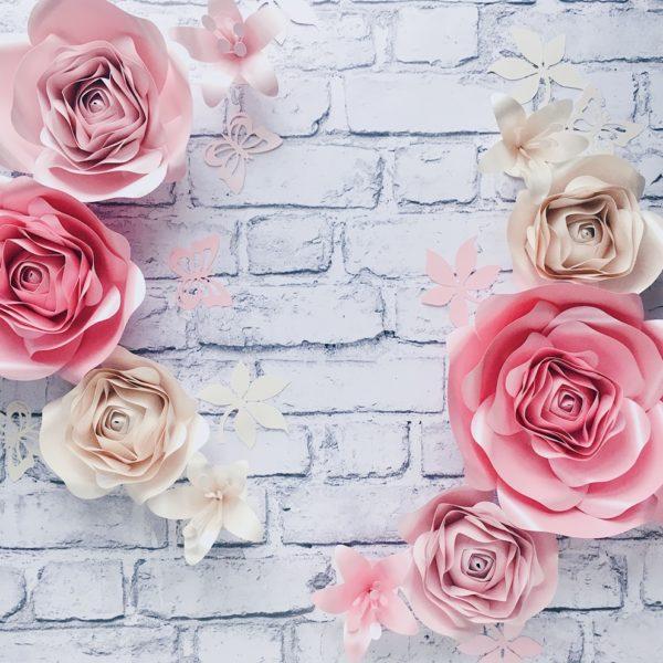 ścianka z kwiatów Różowe kwiaty na ścianę do pokoju dziecka