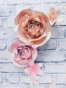 Kwiaty na ścianę - dekoracja w pokoju dziewczynki