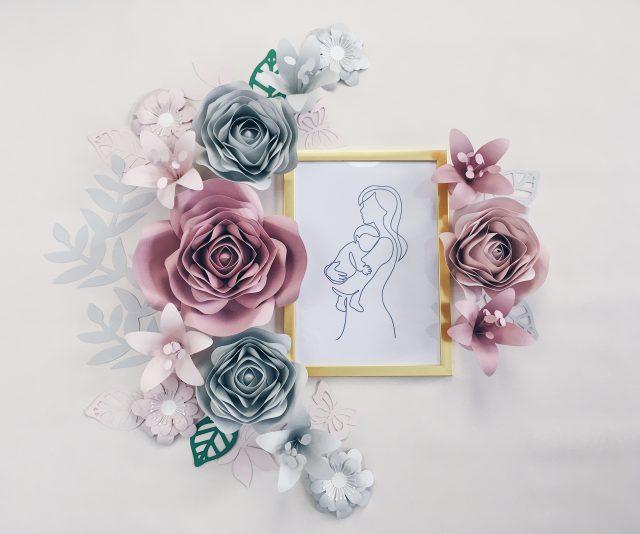 Duże kwiaty na ścianę - pokój dziewczynki kolor różowy i szary