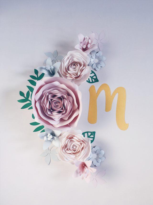 Kwiaty na ścianę do pokoju dziewczynki kolor pudrowy róż nude i perła